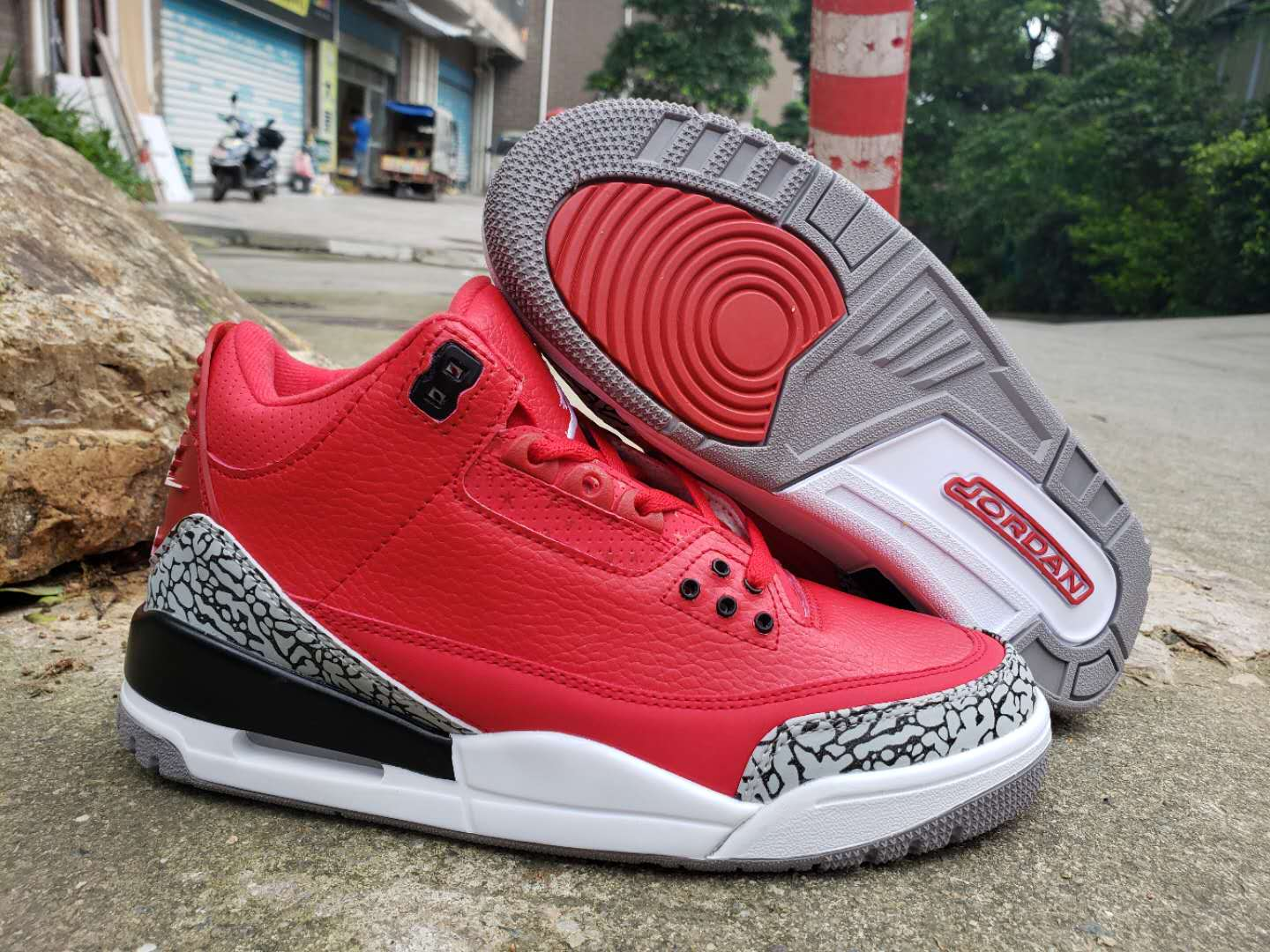 2019 Air Jordan 3 Chicago Red Grey Black White
