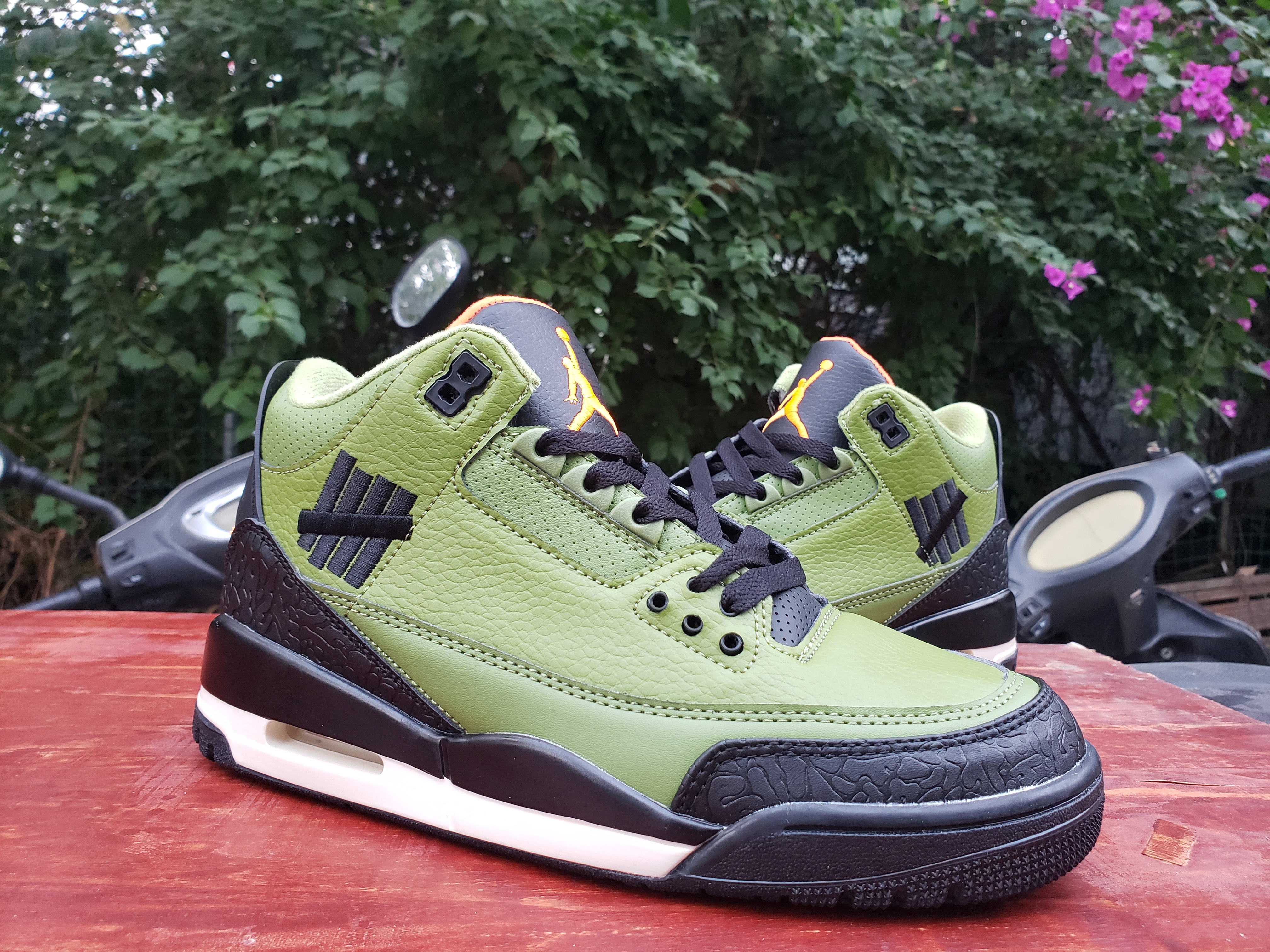 Air Jordan 3 Retro Olive Green Black Orange