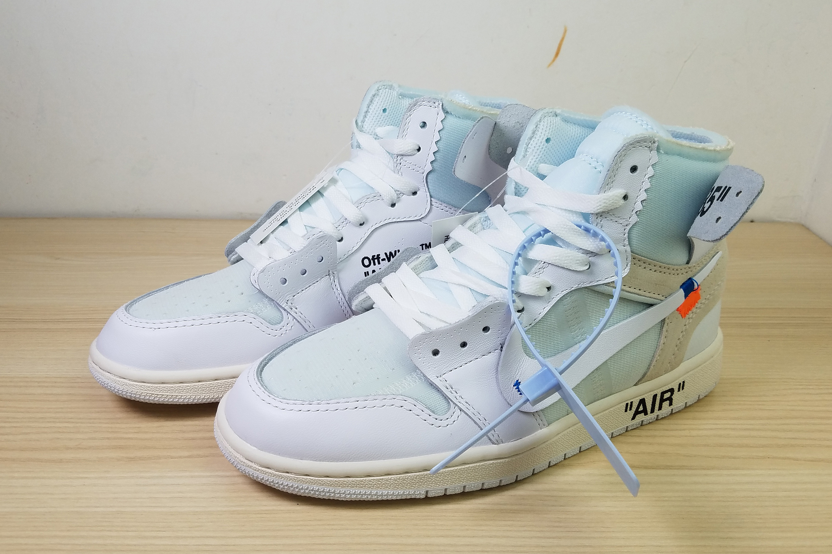 Air Jordan 1 White Light Blue