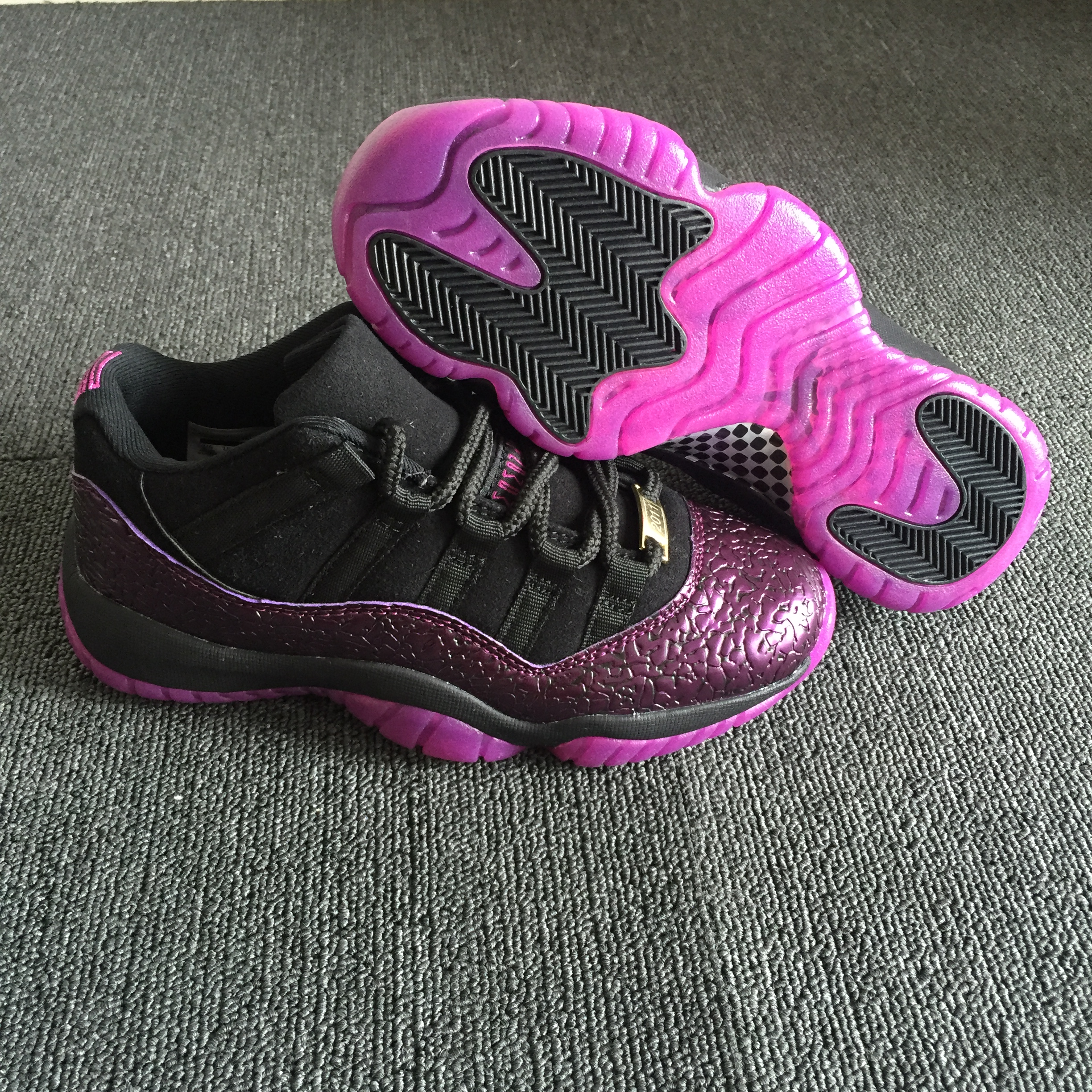 Women Air Jordan 11 Crack Black Pink Shoes